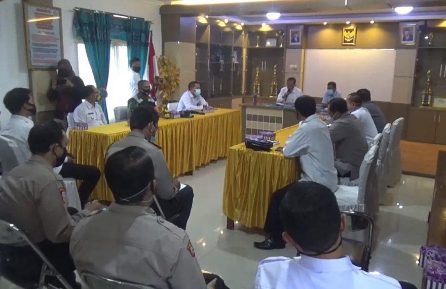 Kesbangpol kota Banjarmasin, menggelar rapat penentuan titik pemasangan Alat Peraga Kampanye (APK)