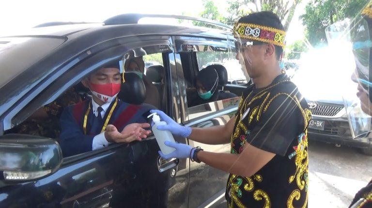 Drive Thru Warnai Prosesi Wisuda Politeknik Negeri Banjarmasin
