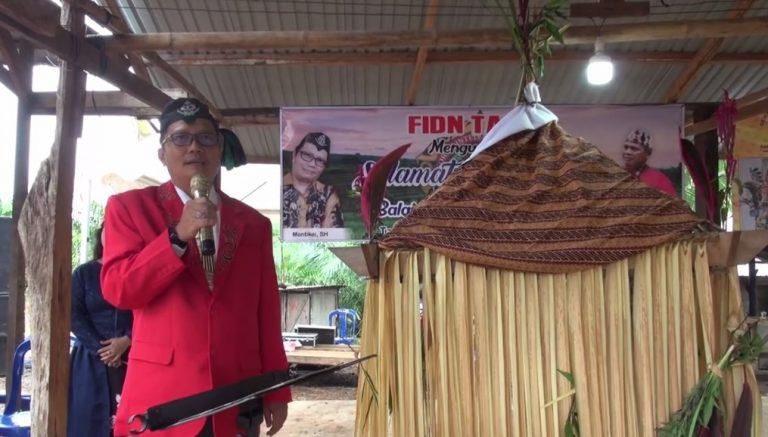 Acara pesta budaya adat Dayak di Gunung Sawaan