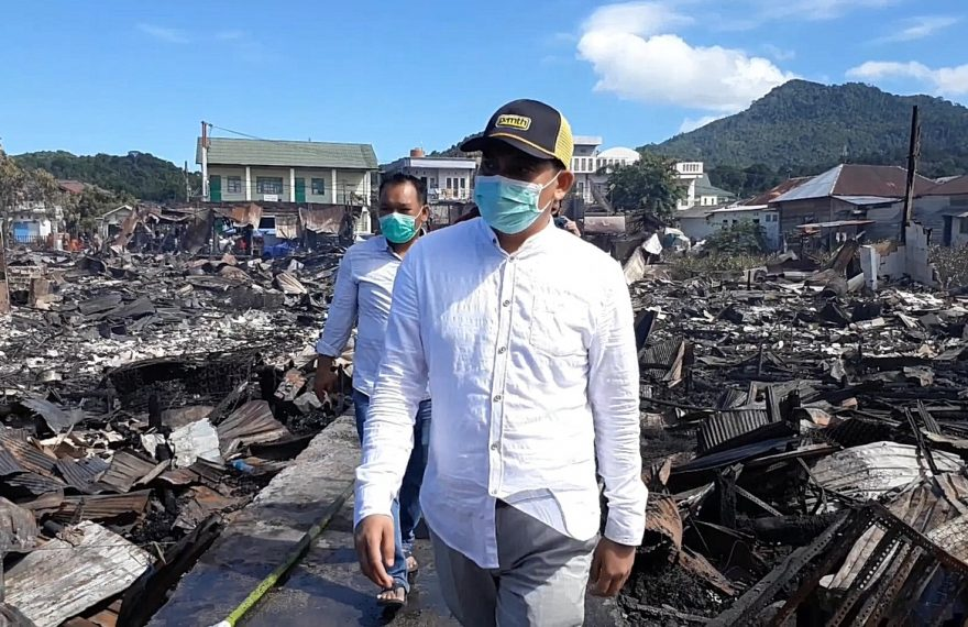 Arul mendatangi lokasi bekas kebakaran