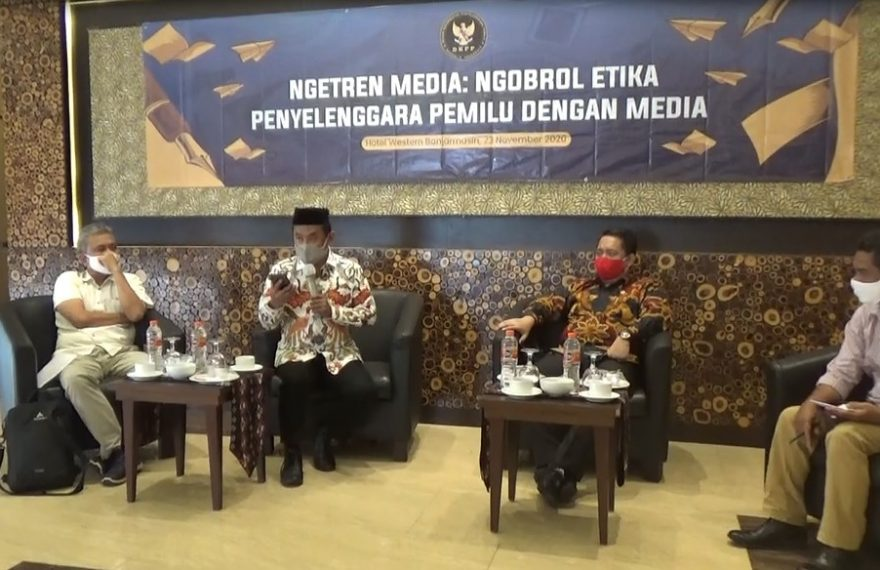 Diskusi ngetren media