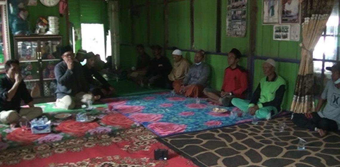 Dr. Andin Sofyanoor SH MH Melakukan Kampanye tatap muka dengan warga desa Artain