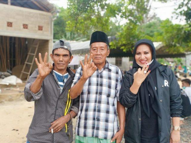 "Kader Sesepuh 'Banteng"" Ajak Warga Pilih ZR"