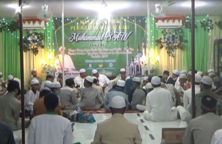 Memperingati maulid Nabi Muhammad SAW bertempat di Masjid Al-Ihsan