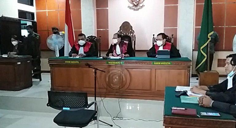 Camat Aluh-aluh Jalani Sidang Perdana di Pengadilan Negeri Martapura