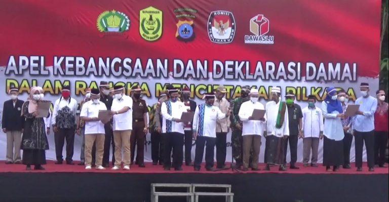 4 Paslon Wali kota dan Wakil Wali kota Banjarmasin Membacakan Naskah Deklarasi Damai