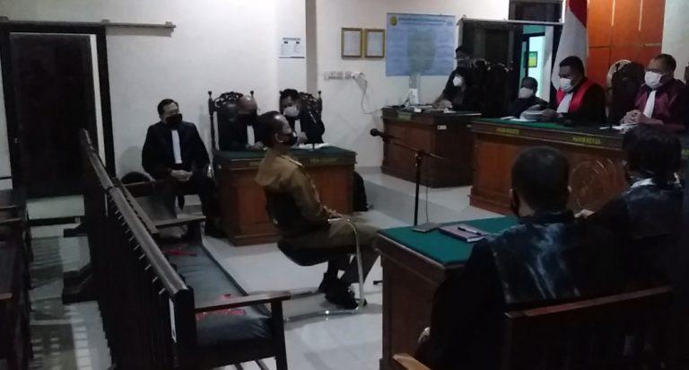 Camat Aluh-Aluh Diganjar 1 Bulan Penjara, Masa Percobaan 2 Bulan