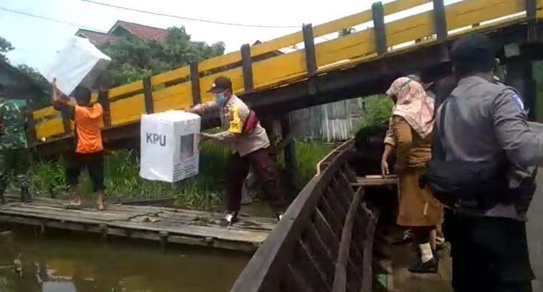 Penyaluran Logistik Menggunakan Tranportasi Air