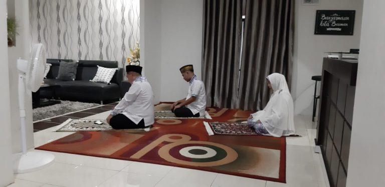 Sebelum Nyoblos Ibnu Sina dan Keluarga Doa Bersama dan Sholat Dhuha Berjemaah
