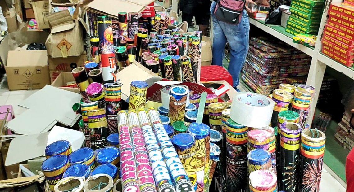 penjualan kembang api di malam pergantian tahun, menurun