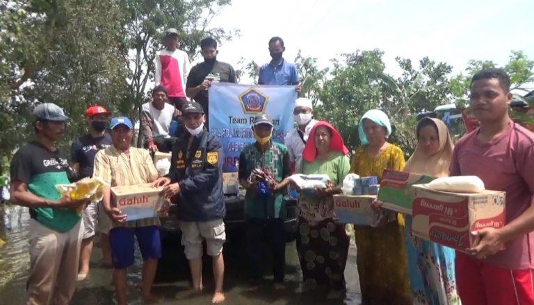 Alumni Polimarim AMI Makasar Salurkan Bantuan Banjir di Batola