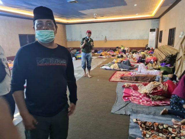 Paman Birin Cek Pengungsi Banjir di Rumah Ketua DPRD Kalsel