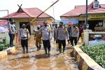 Kapolda Kalsel Kunjungi Polsek Yang Kebanjiran