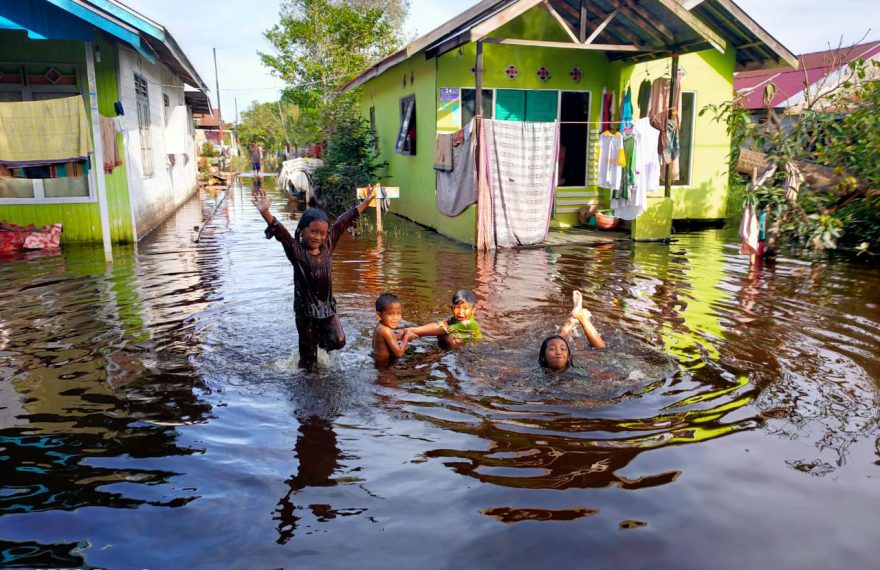 beberapa lokasi masih tergenang air, di Kecamatan Banjarmasin Timur (foto:duta tv)