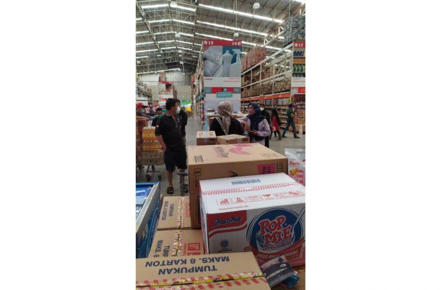 bahan pokok disalah satu pasar grosir di Banjarmasin