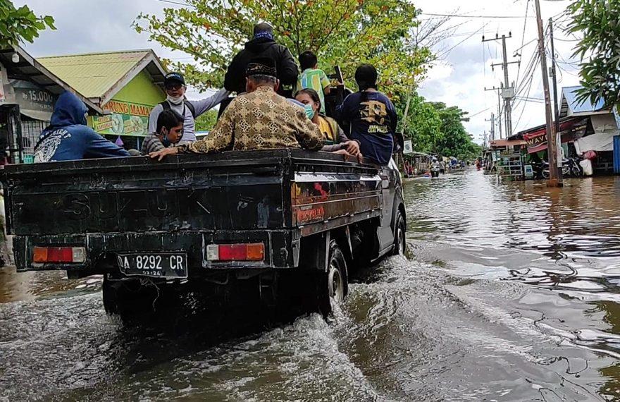 banjir di Desa Semangat Dalam (foto:duta tv)