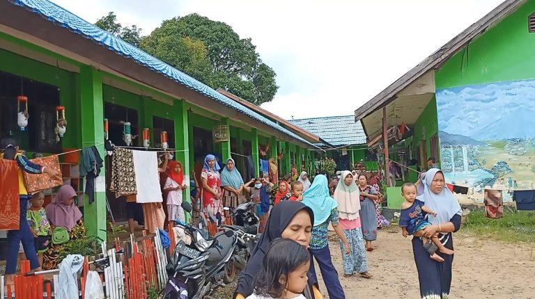 900 Warga Tambang Ulang Masih Mengungsi di Bangunan Sekolah