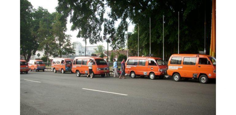 Insentif Pajak Mobil Harusnya Untuk 'Angkot', Kata Pengamat