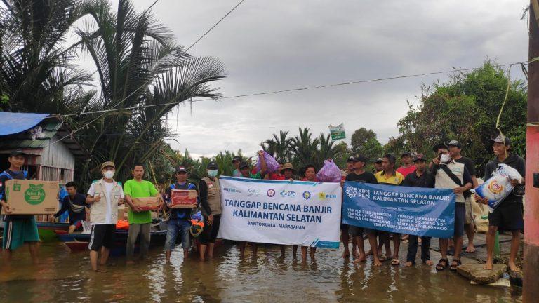 Masih Terisolir, NU Care Lazisnu & YBM PLN Sambangi Korban Banjir Tanipah
