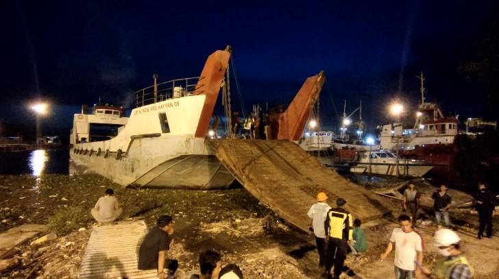 kapal LCT di Pelabuhan Martapura Baru (foto:duta tv)
