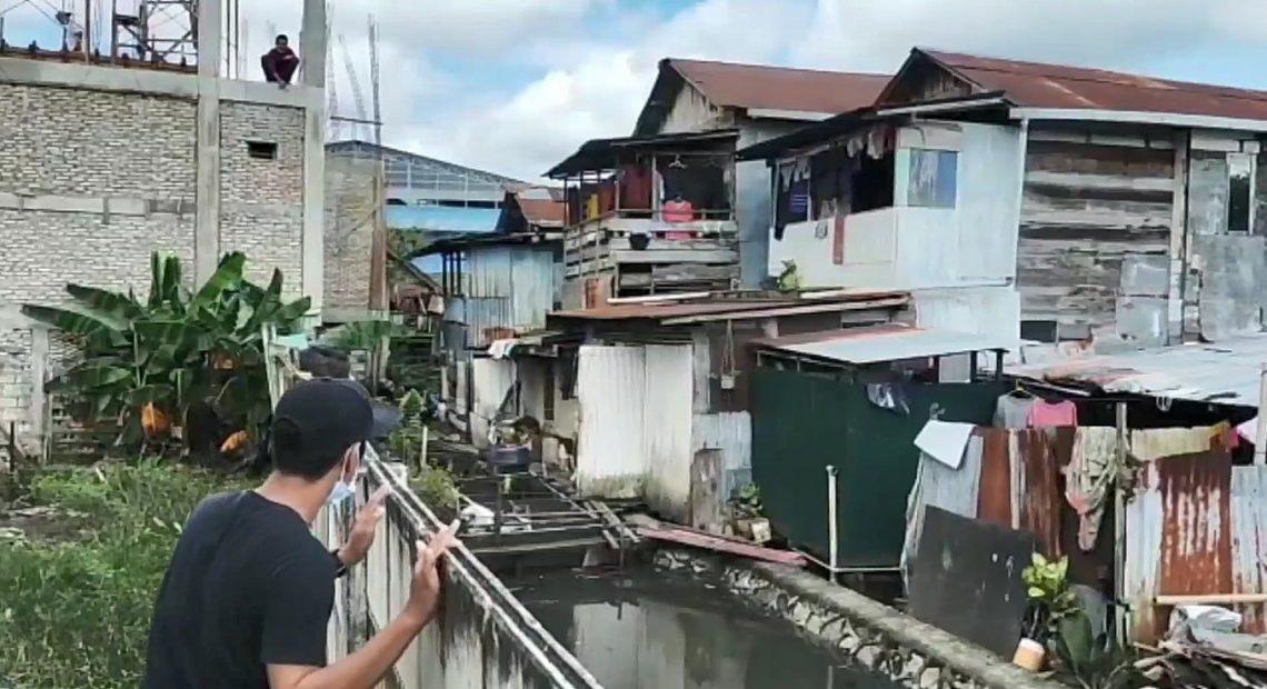 bangunan di atas sungai