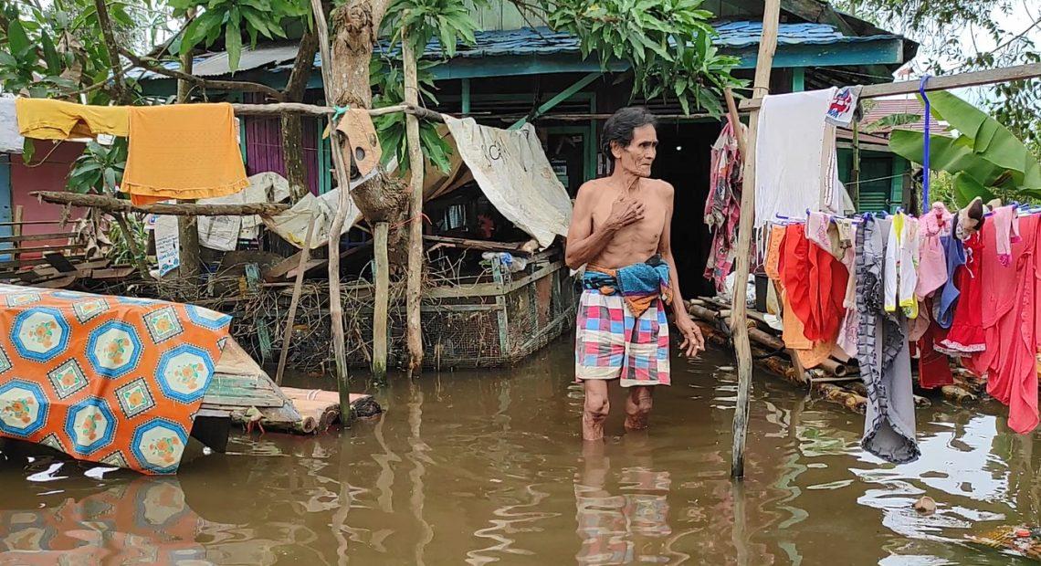 kondisi banjir di Batola masih setinggi lutut orang dewasa (foto:duta tv)