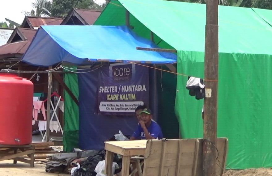 korban banjir saat ini hanya tinggal di shelter pengungsian (foto:duta tv)