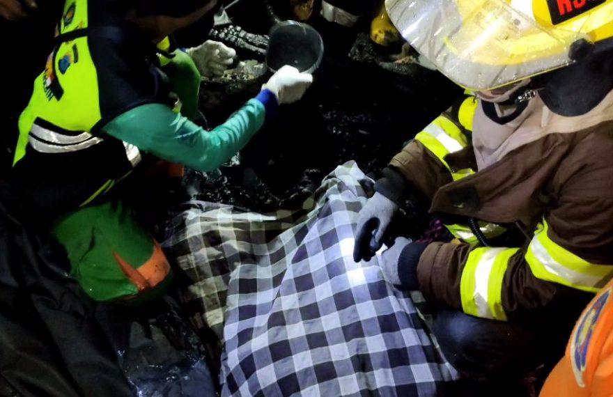 Nenek Aminah, korban kebakaran di Simpang Belitung (foto:duta tv)