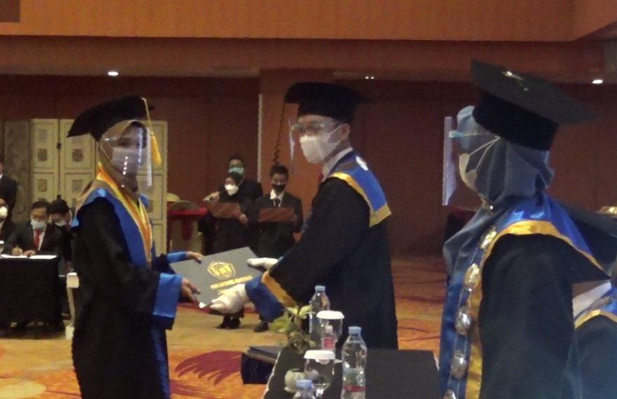 wisuda ke-VI Polihasnur tahun akademik 2019-2020 (foto:duta tv)