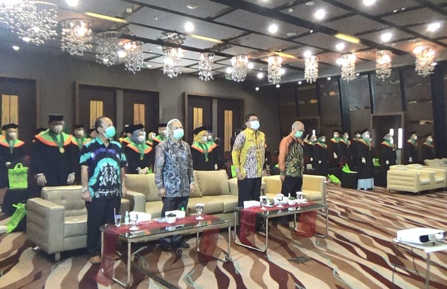 Sekolah Tinggi Ilmu Kesehatan Borneo Lestari menggelar sidang senat terbuka (foto:duta tv)