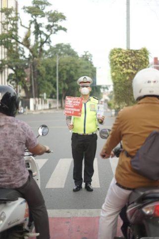 Disiplinkan Pengendara Jalan, Ditlantas Polda Kalsel Beri Sosialisasi Penerapan E-TLE dan Zona Merah RHK