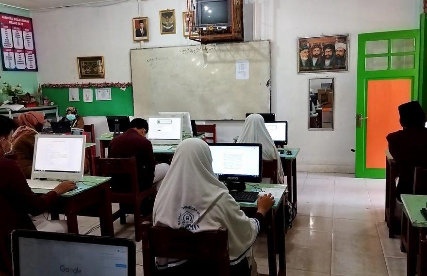 Ujian Sekolah di Mtsn 2 Banjarmasin (foto:duta tv)