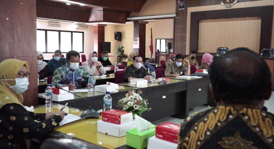 Komisi I DPRD Provinsi Kalimantan Selatan, melakukan kunjungan kerja ke kantor Badan Kesatuan Bangsa dan Politik Provinsi Jawa Timur