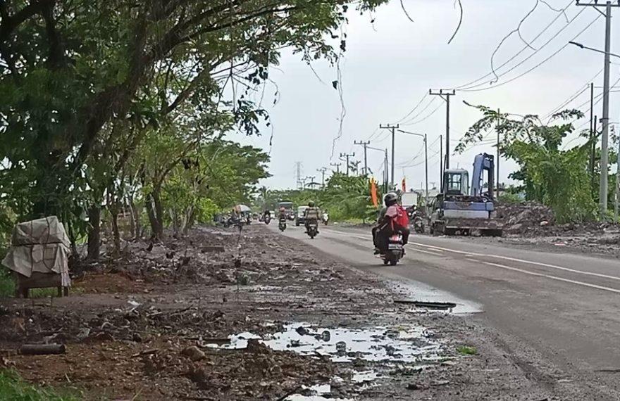 Tim satgas normalisasi sungai menyiapkan lahan pembuangan material pengerukan sungai