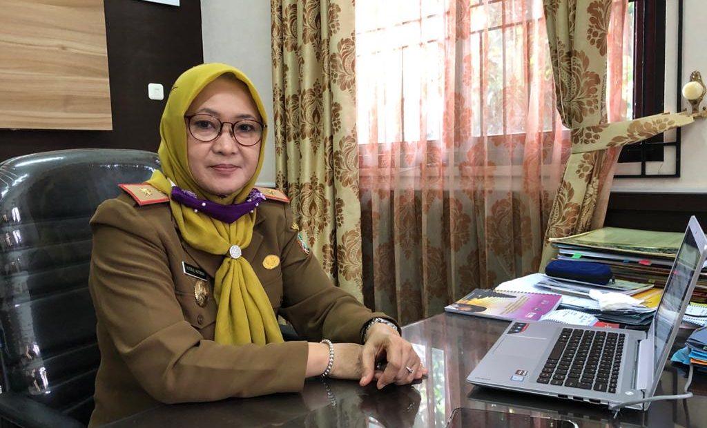 Kepala DPPPA Kalsel, Husnul Hatimah, memberikan keterangan terkait peringatan Hari Perempuan Sedunia, Banjarbaru, Senin (8/3/2021). MC Kalsel/scw