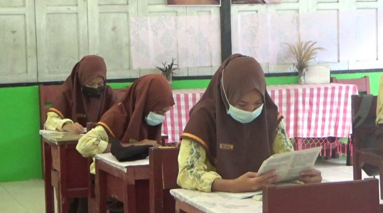 peserta didik menjalani Pembelajran Tatap Muka (foto:duta tv)