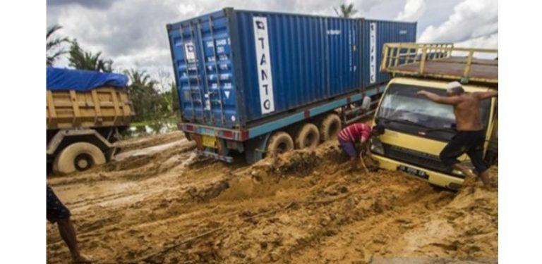 DPRD Kalsel : Tolong Perbaikan Jalan Disegerakan, ya