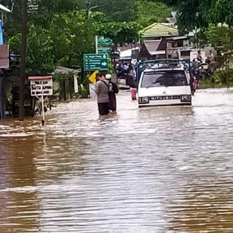 kondisi di salah satu ruas jalan Kecamatan Pengaron (foto:duta tv)