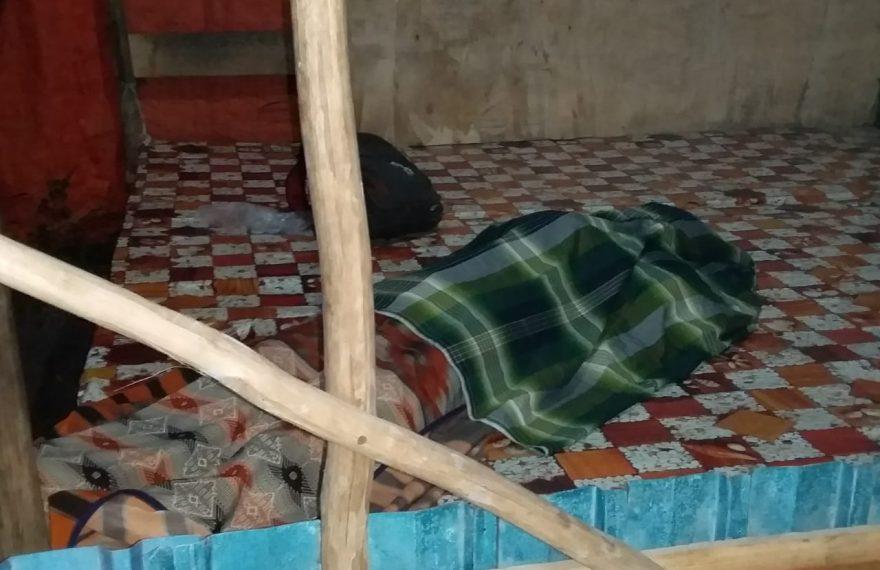 jasad Mohtar ditutupi kain sarung (foto:duta tv)