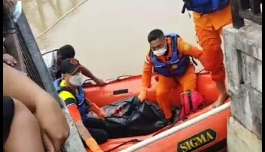 mayat Abdul di evakuasi (foto:duta tv)