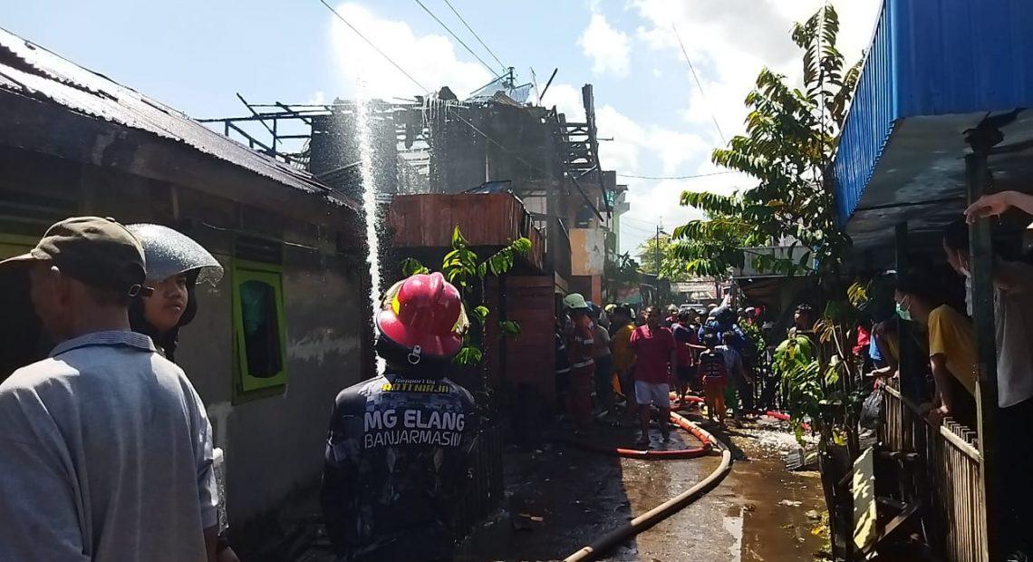 Kebakaran di kawasan Pandu Gang 1, Kelurahan Kebun Bunga