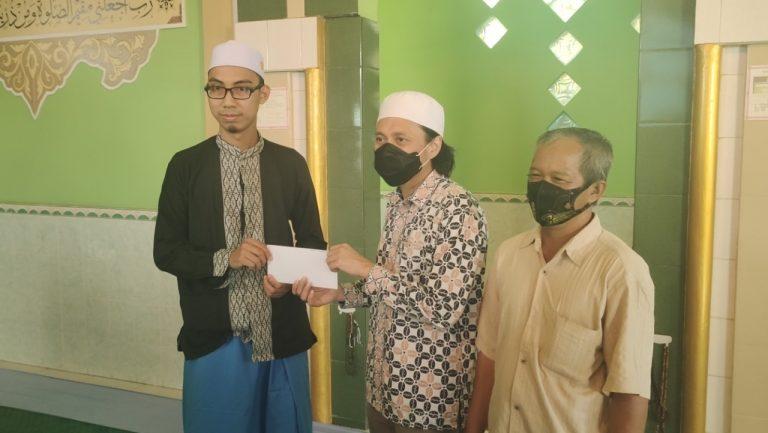 Hasnur Group Kembali Berbagi ke 5 Tempat Ibadah