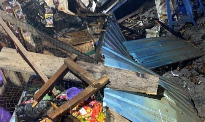 Malam Lebaran, Kios di Simpang Anem Nyaris Terbakar