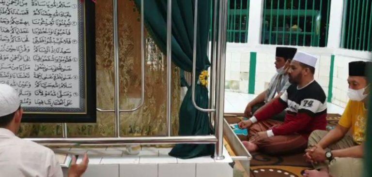 Paman Birin Kunjungi Warga Pulau Bromo, Mampir ke Kubah Basirih Hingga Berbagi Ikan