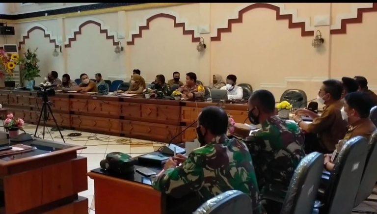 Pemkab Kotabaru menggelar rapat pembentukan posko pengamanan lebaran