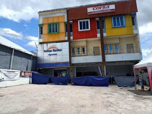 Breaking News !! Ruko Tiga Pintu di Jalan Pramuka Miring, Karyawan Toko Obat Panik