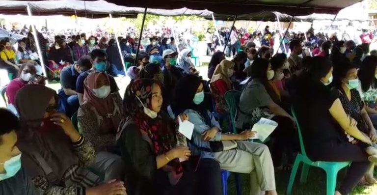 Antrian Panjang Vaksinasi di Polres Banjarbaru