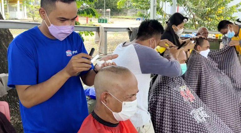 Relawan Paman Birin, Gelar Gundul Bersama Sebagai Rasa Syukur Kemenangan