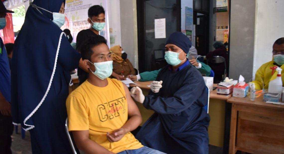 Vaksinasi Covid-19 Tahap Pertama